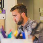 Utrata zaufania jako przyczyna rozwiązania umowy o pracę