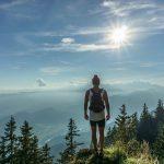 Podróż i hemoroidy – jak sobie pomóc w drodze?